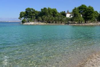 Tak zapewne wyglądało morze wokół Wysp Śpiewających - na jednej z chorwackich wysepek
