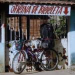 Wyprawa dosł'ownie byle czym - miejski rower bez przerzutek kupiony w Belem na pół'nocy Brazylii.