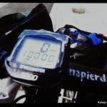 Pierwszy tysiąc kilometrów. Z wymownym napisem na kierownicy.. motywującym, bo Ania twierdzi, że nigdy wcześ›niej wię™cej niż 20 km nie przejechała
