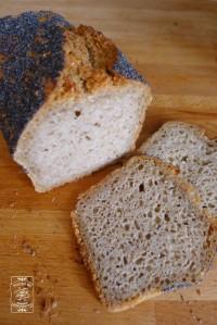 Chleb Taty - mój ulubieniec jak do tej pory. Można go cieniutko kroić, nie będzie się kruszył, a po paru dniach będzie nadal jak nowy